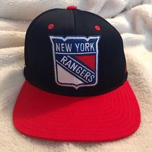 Accessories - 🌟NWOT🌟 New York Rangers Snapback